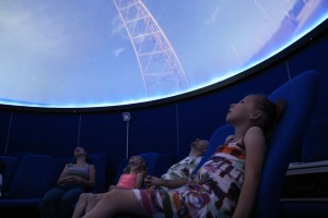 Session at the planetarium of the Lèbe Observatory