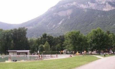 Stretch of water and leisure center of Culoz