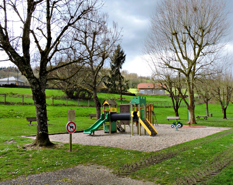 Playgrounds for children and picnic areas